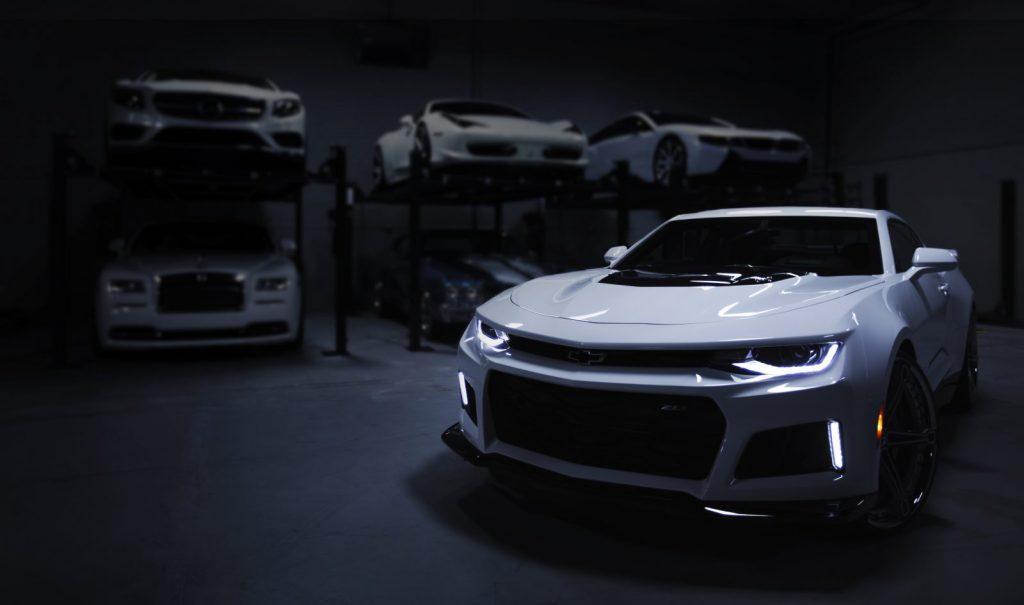 Przyczyny słabego świecenia lamp samochodowych. Jakie czynniki negatywnie wpływają na jakość oświetlenia w samochodzie?